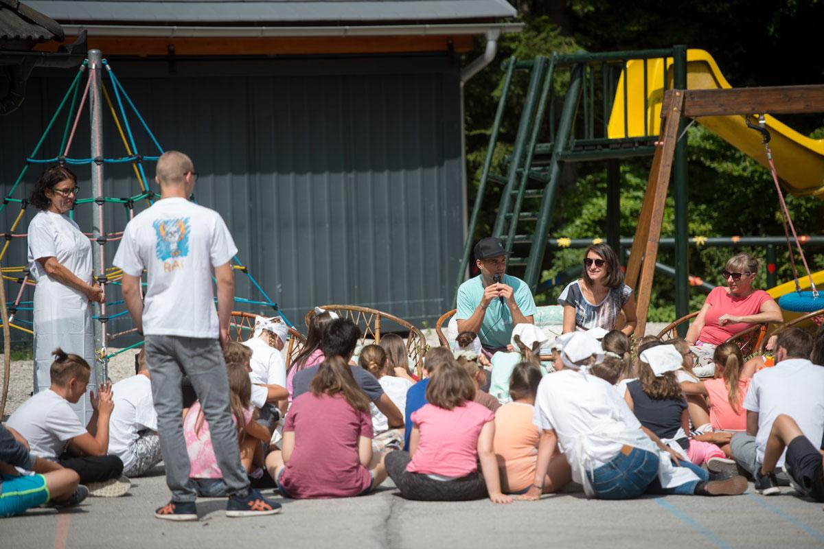 Za 50. rojstni dan Alpskega mleka smo peljali 50 otrok v Kranjsko Goro